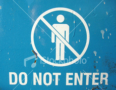 Istockphoto_702144_do_not_enter_blue